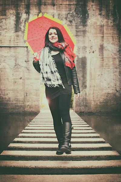 Roter Schirm mit Alexandra